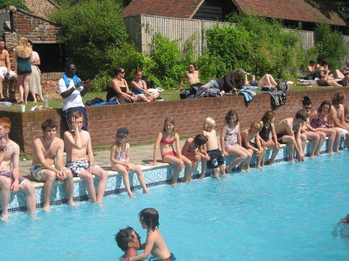 Sc swimming pool festival kidz for Pool show florence sc