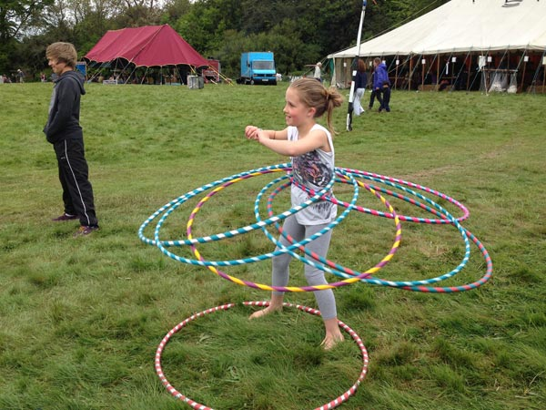 hula hooping wood festival