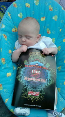 baby-with-glasto-programme