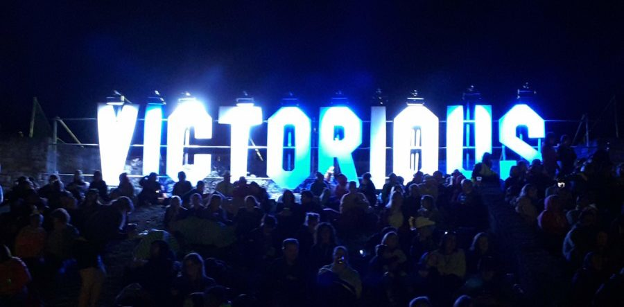 Victorious Sign opposite the Castle Stage
